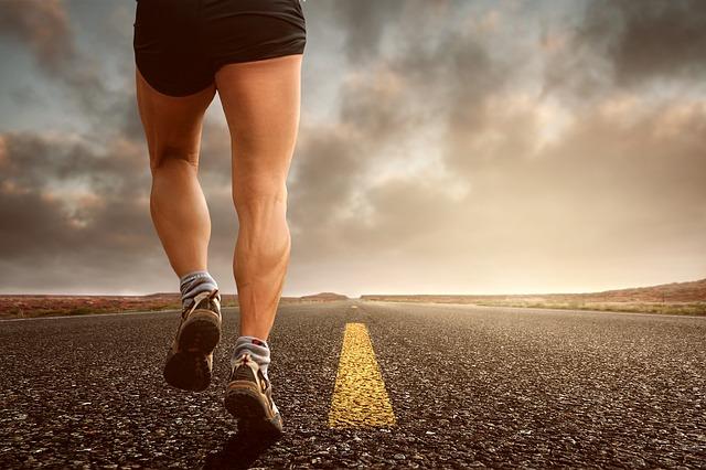 Bei einem Lymphödem helfen Gymnastik und Laufen
